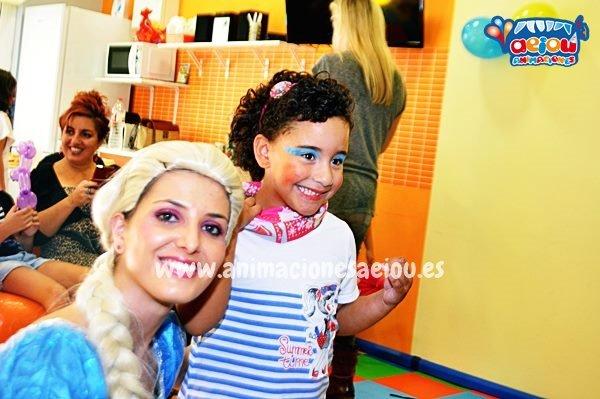 Animadora Elsa de Frozen para fiestas infantiles en Las Palmas